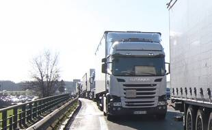 Environ 700 roues de camion ont été dérobées (illustration).