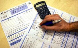 """Si près de 9 Français sur 10 approuvent la """"remise à plat de la fiscalité"""" annoncée par le Premier ministre cette semaine, près des trois quarts d'entre eux estiment d'ores et déjà qu'elle ne sera ni """"juste"""" ni """"efficace"""", selon un sondage BVA publié samedi."""
