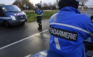 Des gendarmes français. (illustration)