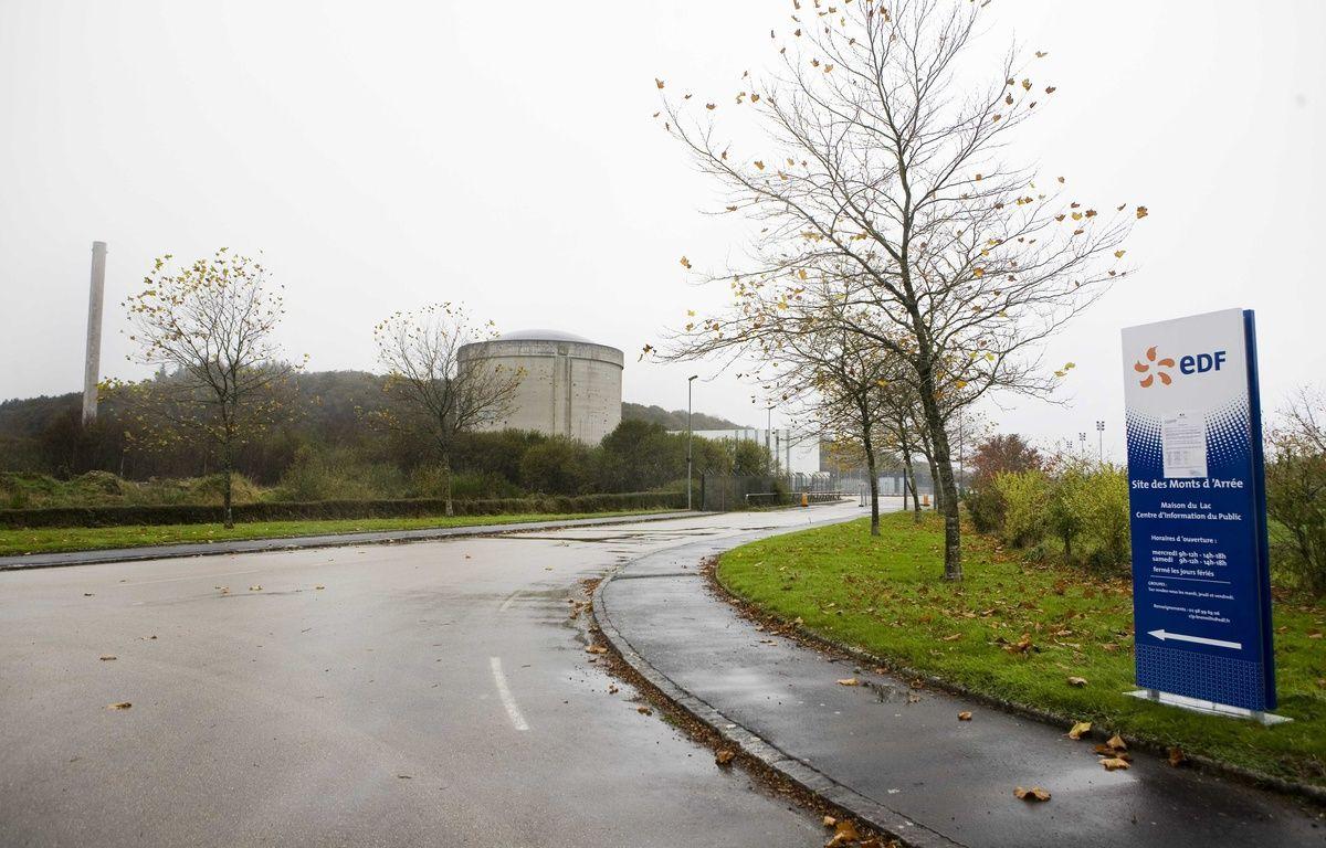 L'entrée du site de Lannilis, qui abrite la centrale nucléaire d'EDF, fermée en 1985 mais toujours en cours de démantèlement. – F. Lepage / SIPA