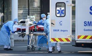 Des patients vont être évacués en train du Grand Est vers la Nouvelle-Aquitaine.
