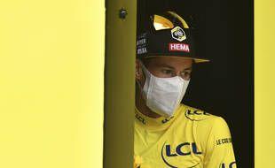 Primoz Roglic, nouveau maillot jaune du Tour de France après la neuvième étape entre Pau et Laruns, le 6 septembre 2020.