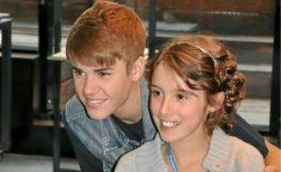 Justin Bieber a parlé et chanté avec trois de ses fans, notamment Romane.