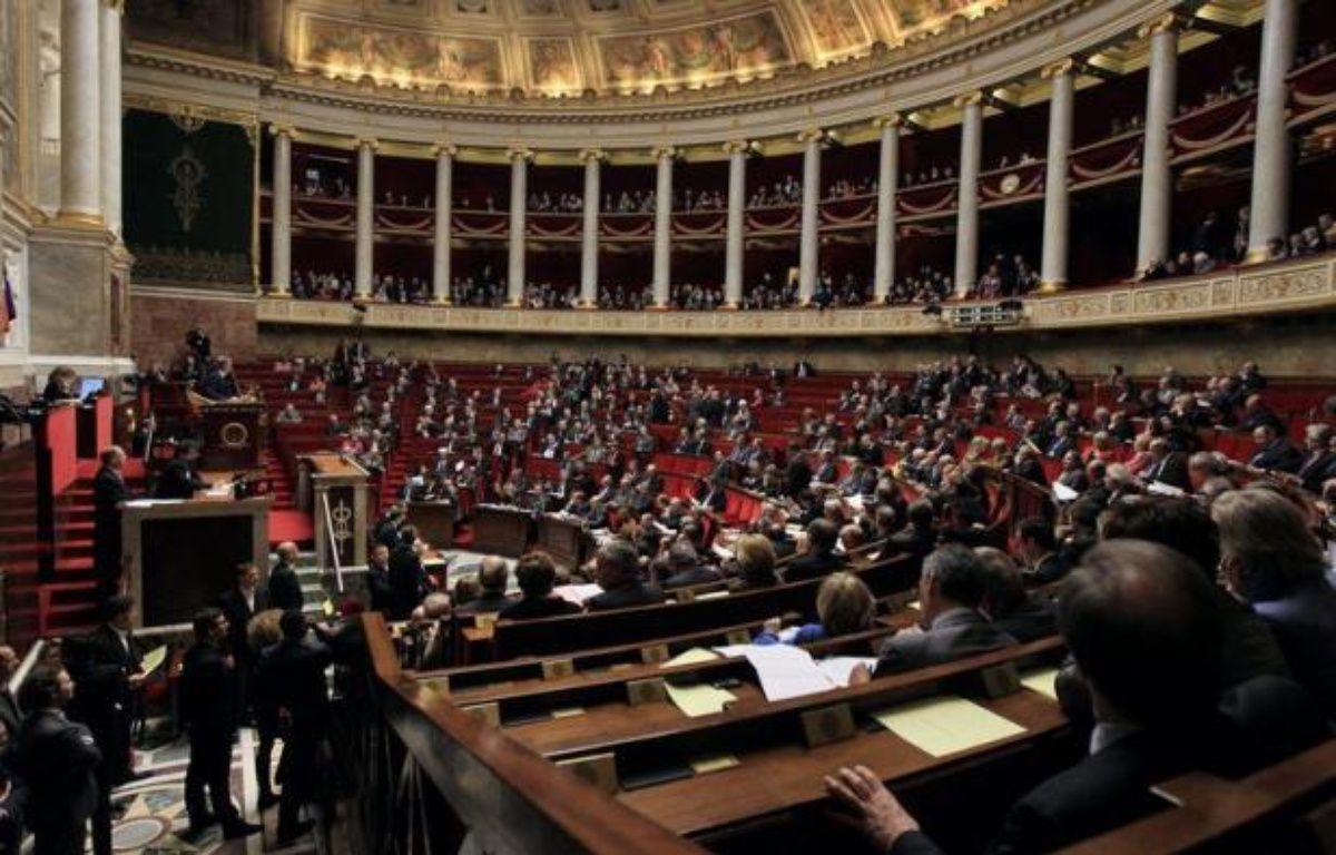 Les 6.611 candidats aux 577 sièges de députés ont lancé lundi la bataille des législatives des 10 et 17 juin, dont l'enjeu crucial est de savoir si François Hollande disposera de la majorité à l'Assemblée nationale. – Jacques Demarthon afp.com