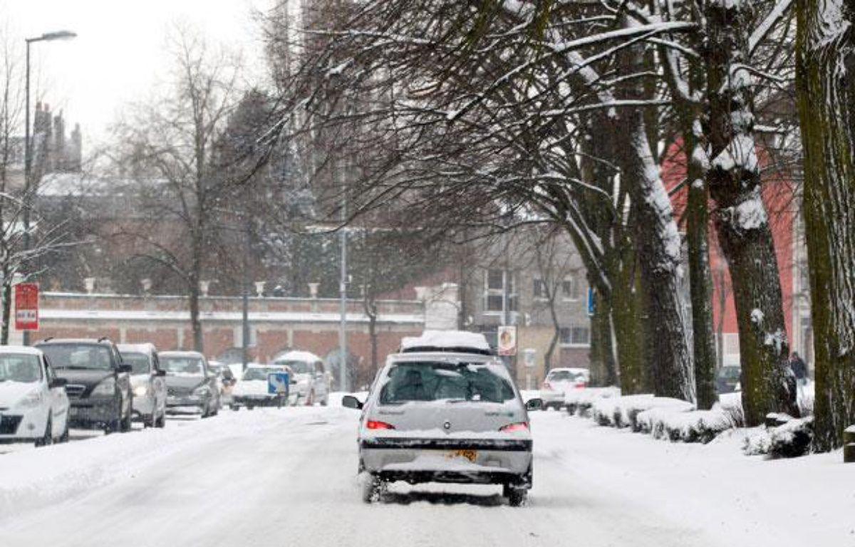 Lille, le 12 mars 2013. Des fortes chutes de neige paralysent la métropole lilloise. – MIKAEL LIBERT/20 MINUTES