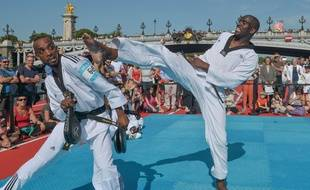 Pascal Gentil, à droite, est l'une des légendes françaises du taekwondo.