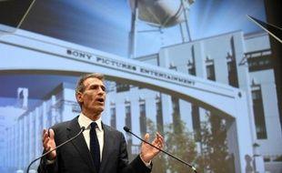 Le PDG de Sony Pictures Michael Lynton lors d'une conférence de presse au siège de la compagnie à Tokyo le 18 novembre 2014