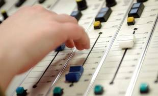 Illustration d'un studio de radio.