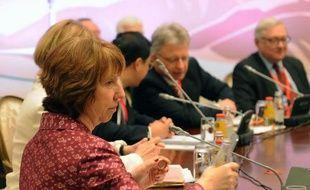 L'Iran et les grandes puissances ont entamé samedi au Kazakhstan la deuxième et dernière journée de pourparlers sur le programme nucléaire iranien controversé avec l'espoir d'aboutir à une percée dans les négociations.