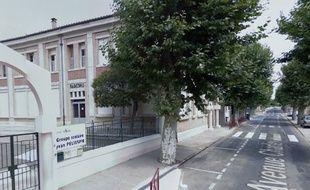 L'école devant laquelle l'accident a eu lieu, à Cuxac-d'Aude.