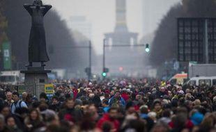 La foule, porte de Brandebourg, à Berlin, le 9 novembre 2014