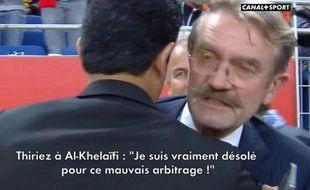 Frédéric Thiriez, le président de la LFP, s'excuse au près de Nasser Al-Khelaïfi, président du PSG, le 17 octobre 2014, au Stade de France.