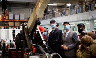 Bruno Le Maire et Alain Griset visitent en septembre 2020 l'usine Klubb, spécialisée dans la fabrication de nacelles élévatrices, a Ferrieres en Brie.