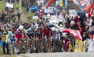 Les coureurs du Tour des Flandres, le 31 mars 2013, en Belgique.