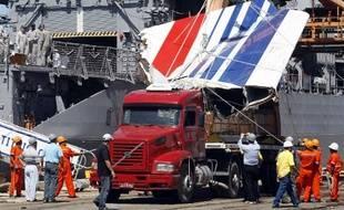 Les restes de l'A330 d'Air France qui reliait Rio à Paris et qui s'est crashé le 14 juin 2009.