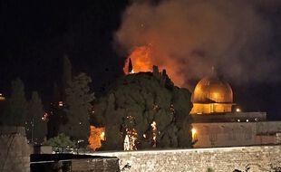 Enorme feu dans l'enceinte de l'Esplanade des Mosquées