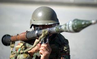 Un homme portant l'uniforme de l'armée afghane a abattu samedi trois soldats américains dans l'est de l'Afghanistan, a-t-on annoncé de diverses sources officielles en Afghanistan.