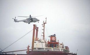 Le parquet de Brest, compétent en matière de pollution maritime, a ouvert une enquête après l'échouement d'un cargo sous pavillon maltais, près d'Etel (Morbihan), et l'a confiée à la section de recherche de la gendarmerie maritime à Brest, a-t-on appris auprès du parquet et de la gendarmerie maritime.