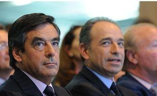 Le Premier ministre François Fillon et le patron de l'UMP, Jean-François Copé, à la Convention nationale du parti majoritaire le 28 mai 2011 à Paris.
