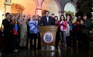 Le président vénézuélien Hugo Chavez a été opéré avec succès mardi à Cuba, pour la quatrième fois depuis la détection en juin 2011 d'un cancer dans la zone pelvienne, selon son vice-président Nicolas Maduros.