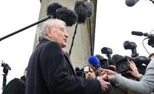 Jacques Cheminade, candidat à la présidentielle, a fait un lien mardi sur Canal + entre meurtres de masse et jeux vidéo violents.