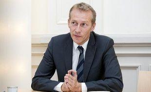 Guillaume Garot, ministre en charge de l'Agroalimentaire en  interview dans son bureau du ministère de l'argiculture à Paris, le 15  octobre 2013.