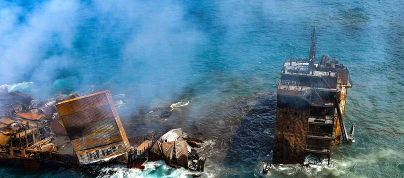 Le Sri Lanka a sollicité l'aide de l'Inde en vue de protéger ses côtes contre une potentielle marée noire que pourrait provoquer le naufrage du porte-conteneurs MV X-Press Pearl.