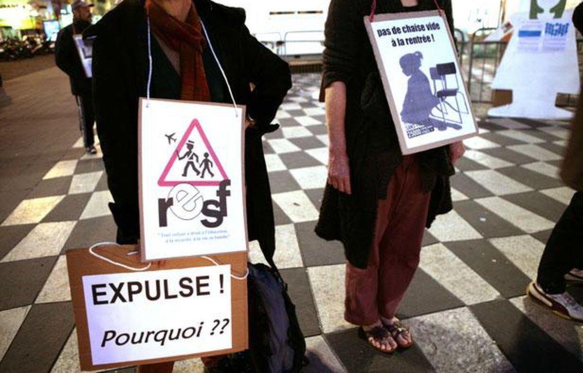 Les membres de Réseaux éducation sans frontières, pendant une manifestation à Nice le 2 mars 2010 – BEBERT BRUNO/SIPA