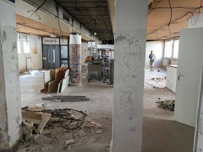 La rénovation de la cafétéria a coûté 150.000 euros.