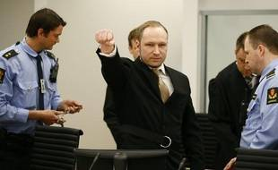 Anders Behring Breivik à l'arrivée de son procès àOslo, le 16 avril 2012.