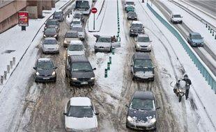 Les automobilistes roulaient au pas hier sur la bretelle d'accès au périphérique au niveau de la porte de Bagnolet (20e).