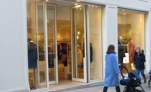 Le 23 janvier 2019. Il fait 4°C à Nantes et cette boutique a gardé ses portes ouvertes.