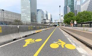 En vue du déconfinement, une nouvelle piste cyclable pour se rendre de Paris à La Défense sans prendre le RER A ou le métro.