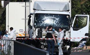 Le camion utilisé par un terroriste pour tuer 84 personnes sur la Promenade des Anglais, à Nice.