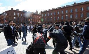 """Des rixes en marge de la manifestation de """"Jour de colère"""" à Toulouse le 5 avril 2014"""