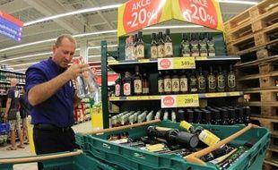 La police et la justice tchèques ont annoncé lundi avoir identifié les principaux responsables présumés d'une vague sans précédent d'intoxications à l'alcool frelaté qui a fait au moins 25 morts à travers la République tchèque.