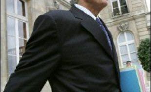"""Dominique de Villepin devrait être auditionné en qualité de """"simple témoin"""" par les magistrats chargés de l'affaire Clearstream, selon l'Est Républicain de samedi."""