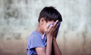Les événements traumatisants vécus par les enfants provoquent-ils des maladies chroniques à l'âge adulte ?