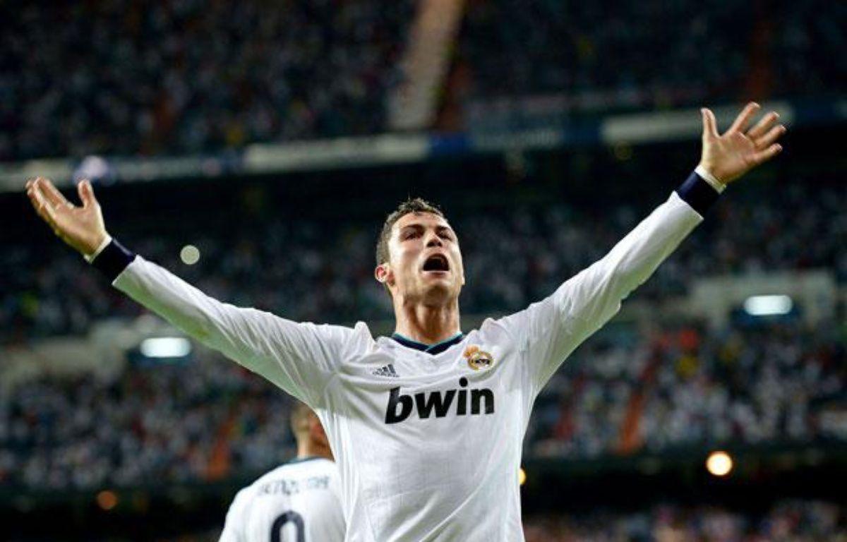 Cristiano Ronaldo fête son but victorieux contre Manchester City, le 18 septembre 2012 à Madrid. – Rex/SIPA