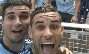 L'attaquant de Kansas City Dom Dwyer prend un selfie le 6 juillet 2014.