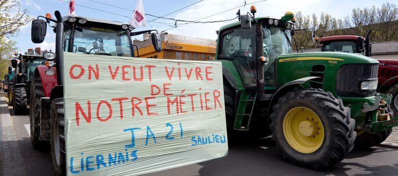 Manifestation de la federation regionale FNSEA et des Jeunes Agriculteurs de Bourgogne-Franche-Comte le 6 avril 2021.
