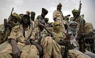 Des rebelles du Darfour ont affirmé samedi qu'ils marchaient sur Khartoum après de violents combats avec les forces gouvernementales soudanaises au nord de la capitale, où un couvre-feu a été imposé.