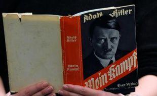 """Une édition allemande de """"Mei Kampf"""", le 7 décembre 2015 à la bibliothèque de Berlin"""