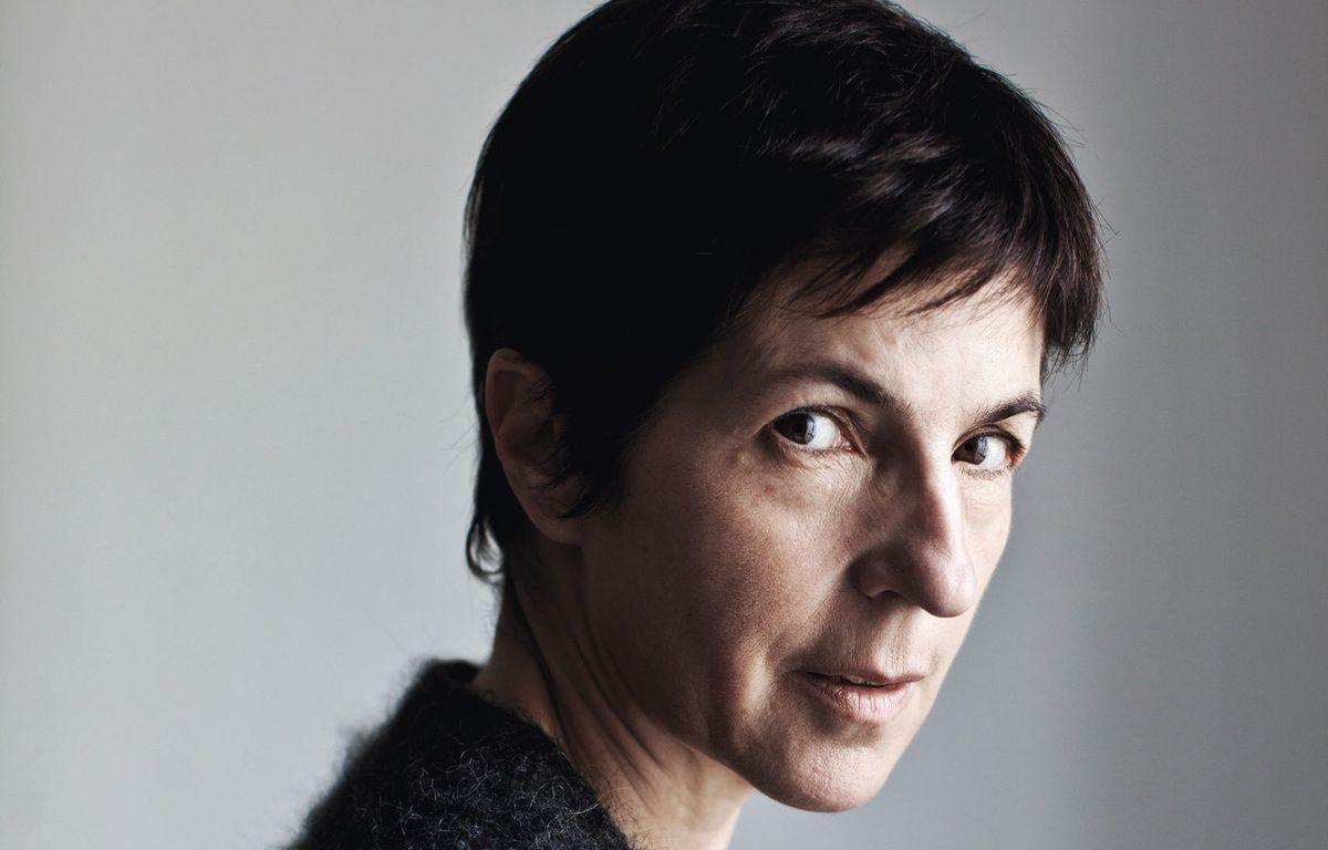 Christine Angot publie Un amour impossible (Flammarion, 2015)  – Jean-Luc Bertini