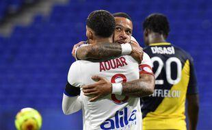 La connexion entre Memphis Depay et Houssem Aouar a dynamité la défense monégasque, dimanche soir au Parc OL (4-1).. PHILIPPE DESMAZES