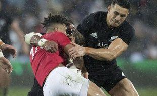 Sonny Bill Williams a écopé d'un carton pour ce plaquage très dangereux sur Anthony Watson lors du match entre les Lions Britanniques et la Nouvelle-Zélande, le 1er juillet 2017.