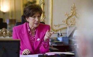 La ministre des Solidarités Roselyne Bachelot lance la troisième campagne de lutte contre les violences faites aux femmes, le 24 novembre 2011.