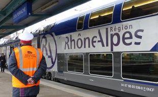 Aucun train ne circulera entre Lyon et Grenoble les deux derniers week-ends du mois de septembre. Illustration.