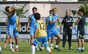 Alberto Zaccheroni, le coach italien, dirige l'entraînement de l'équipe nationale japonaise, à Clearwater, Floride, le 6 juin 2014.