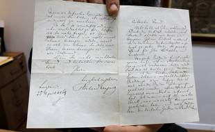 Datée du 25 avril 1869, sa lettre au philosophe, poète et critique Edouard Schuré, traite de la réception de son pamphlet